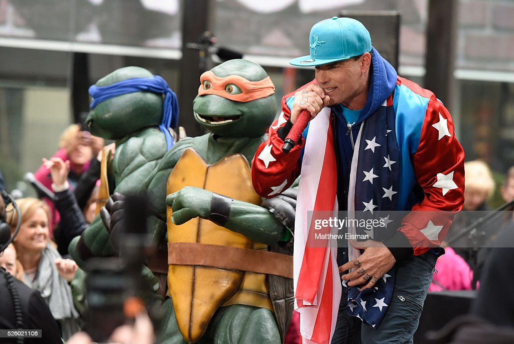 <a gi-track='captionPersonalityLinkClicked' href=/galleries/search?phrase=Vanilla+Ice&family=editorial&specificpeople=228351 ng-click='$event.stopPropagation()'>Vanilla Ice</a> performs live on stage for NBC's 'Today' at Rockefeller Plaza on April 29, 2016 in New York City.