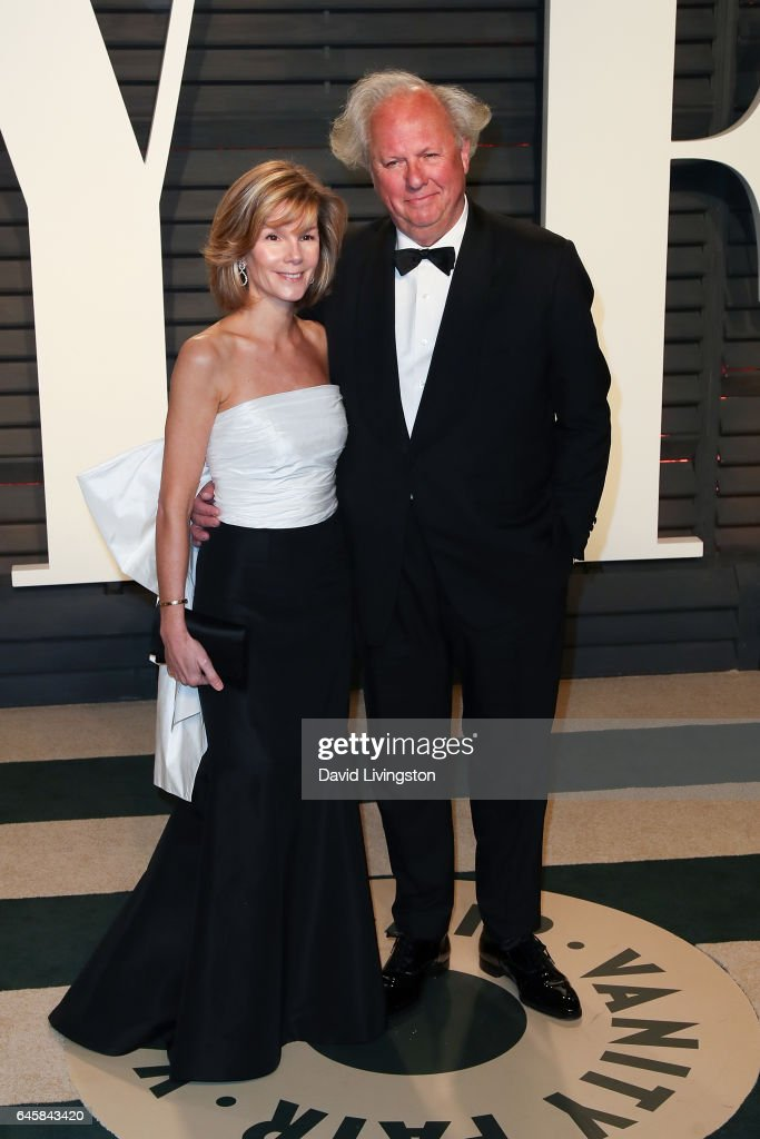 Vanity Fair editor Graydon Carter (R) and Anna Scott attend the 2017 Vanity Fair Oscar Party hosted by Graydon Carter at the Wallis Annenberg Center for the Performing Arts on February 26, 2017 in Beverly Hills, California.