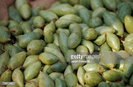 An enticing display of figs at a fruit market in Varanassi's Old City. : Stock Photo