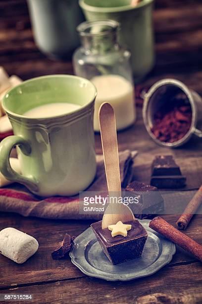 Caseras variación de barras de Chocolate caliente con cuchara