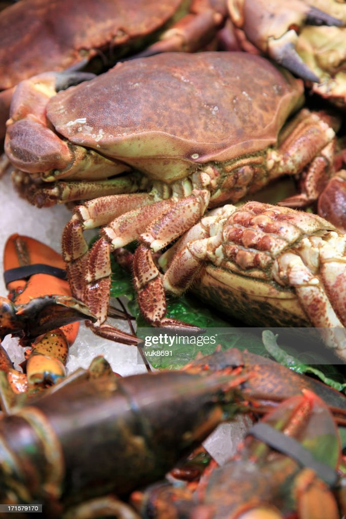 Various crabs on the market