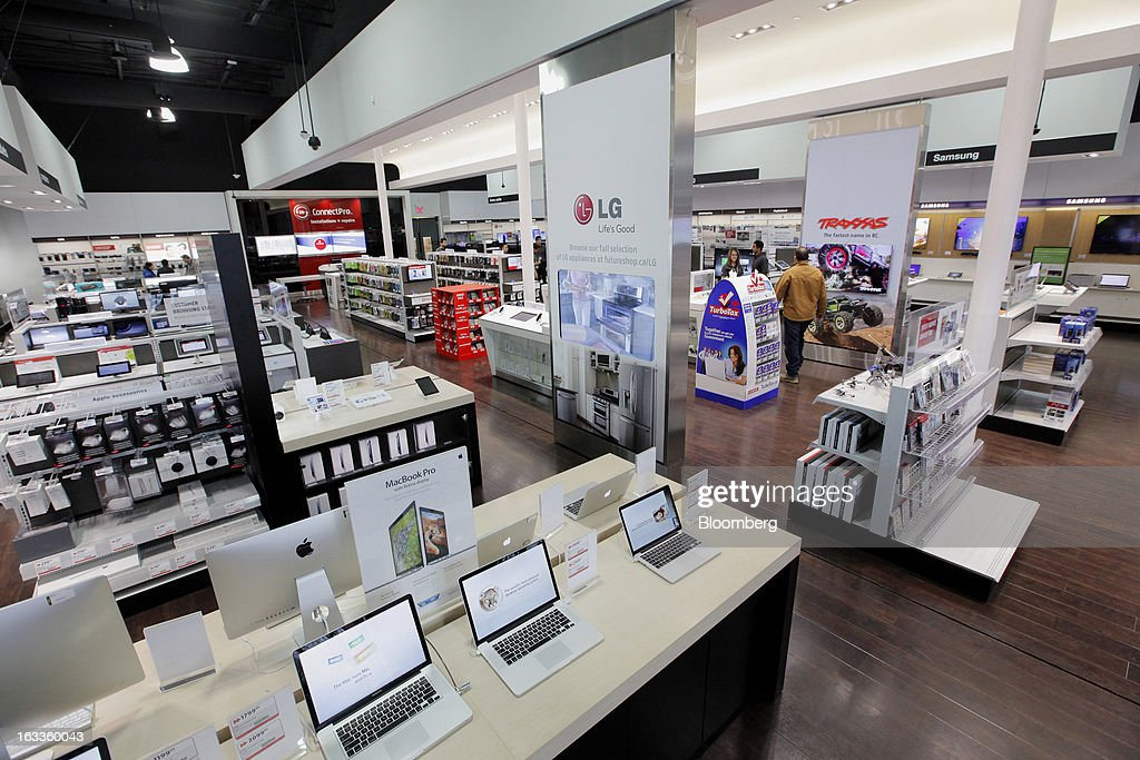 Various electronics products are displayed for sale at a Future Shop store in Vancouver, British Columbia, Canada, on Thursday, March 7, 2013. Future Shop, Canada's largest consumer electronics retailer, offers home and entertainment products, including televisions, computers, cameras, MP3 players, video games, computer add-ons, software, and audo and video systems. Photographer: Deddeda White/Bloomberg via Getty Images