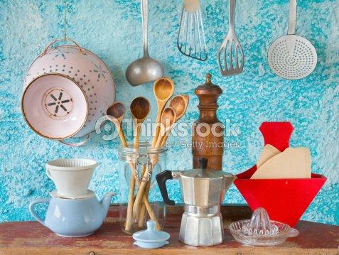 Varios vintage utensilios de cocina foto de stock thinkstock for Utensilios de cocina vintage