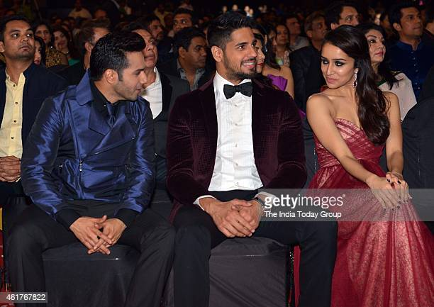 Varun DhwanSiddharth Malhotra and Shraddha Kapoor in Life ok screen awards 2015