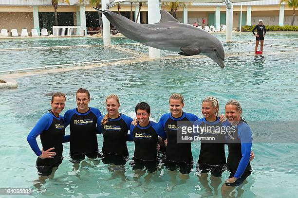 Varvara Lepchenko Anastasia Pavlyuchenkova Angelique Kerber Carla Suarez Navarro Lucie Safarova and Lucie Hradecka pose with the dolphins at the...