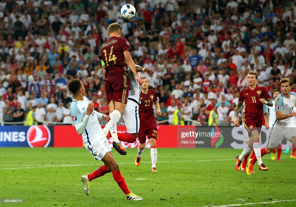 Vasili Berezutski of Russia heads the ball to score his team's first goal during the UEFA EURO 2016 Group B match between England and Russia at Stade Velodrome on June 11, 2016 in Marseille, France.