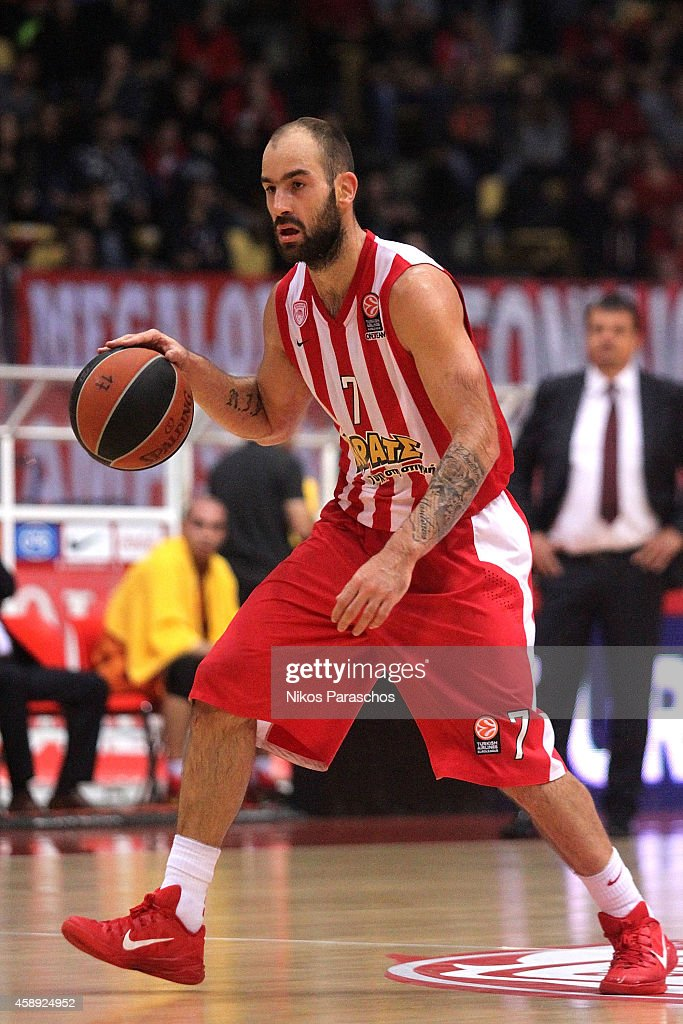 <a gi-track='captionPersonalityLinkClicked' href=/galleries/search?phrase=Vassilis+Spanoulis&family=editorial&specificpeople=704857 ng-click='$event.stopPropagation()'>Vassilis Spanoulis</a>, #7 of Olympiacos Piraeus in action during the 2014-2015 Turkish Airlines Euroleague Basketball Regular Season Date 5 game between Olympiacos Piraeus vs Galatasaray Liv Hospital Istanbul at Peace and Friendship Stadium on November 13, 2014 in Athens, Greece.