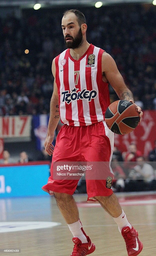 <a gi-track='captionPersonalityLinkClicked' href=/galleries/search?phrase=Vassilis+Spanoulis&family=editorial&specificpeople=704857 ng-click='$event.stopPropagation()'>Vassilis Spanoulis</a>, #7 of Olympiacos Piraeus in action during the 2013-2014 Turkish Airlines Euroleague Top 16 Date 3 game between Olympiacos Piraeus v FC Barcelona Regal at Peace and Friendship Stadium on January 16, 2014 in Athens, Greece.