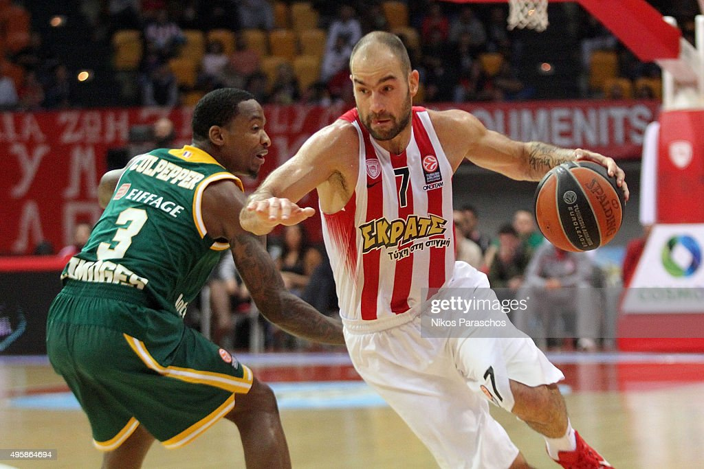 <a gi-track='captionPersonalityLinkClicked' href=/galleries/search?phrase=Vassilis+Spanoulis&family=editorial&specificpeople=704857 ng-click='$event.stopPropagation()'>Vassilis Spanoulis</a>, #7 of Olympiacos Piraeus in action during the Turkish Airlines Euroleague Basketball Regular Season date 4 game between Olympiacos Piraeus v Limoges CSP at Peace and Friendship Stadium on November 5, 2015 in Athens, Greece.
