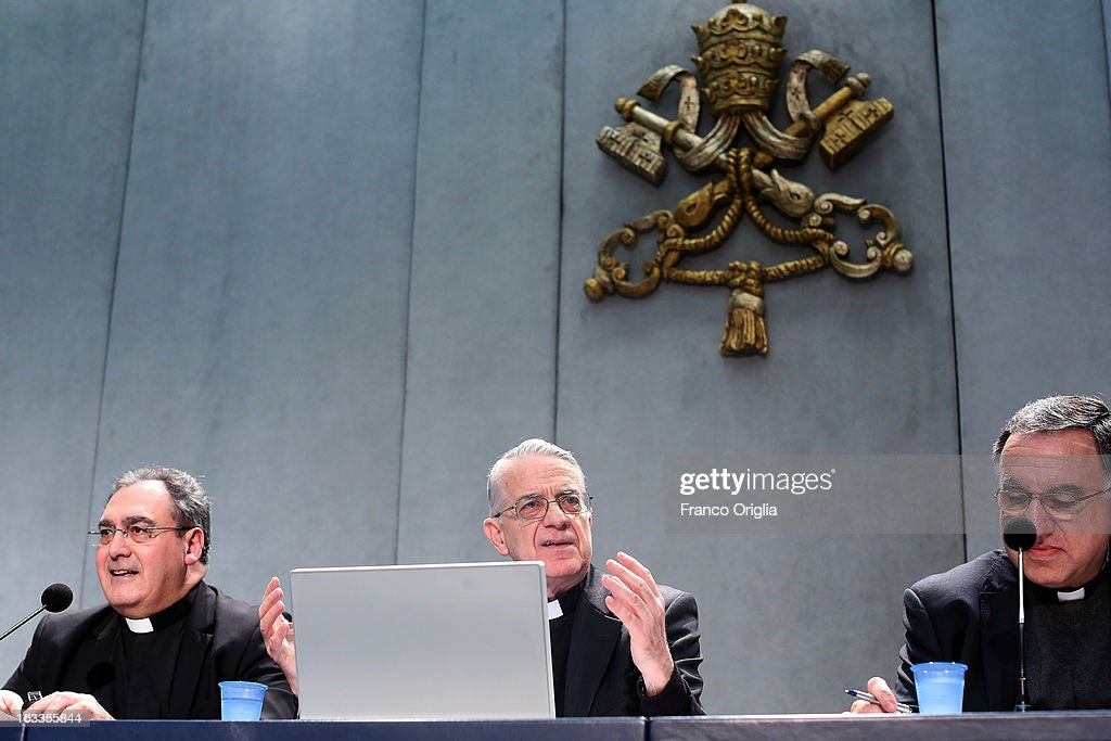 Vatican spokesman father Federico Lombardi (C) attends a briefing on the seventh general congregation of cardinals at the Holy See press room on March 8, 2013 in Vatican City, Vatican. Father Federico Lombardi said that during this session cardinals accepted Scottish cardinal Keith O'Briens's reasons for not attending the Vatican Conclave to elect a new Pope.