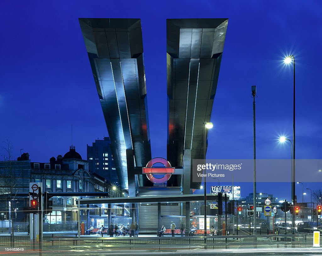 Vauxhall Cross Bus Station London United Kingdom Architect Arup Associates Vauxhall Cross Bus Station Night View