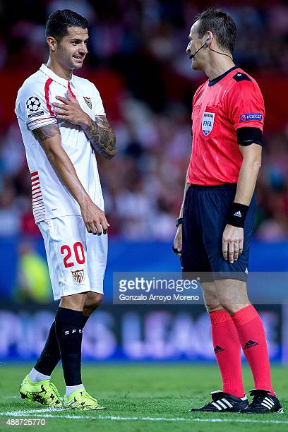 Vctor Machin alias Vitolo of Sevilla FC protests to referee Pavel Kralovec during the UEFA Champions League Group D match between Sevilla FC and VfL...