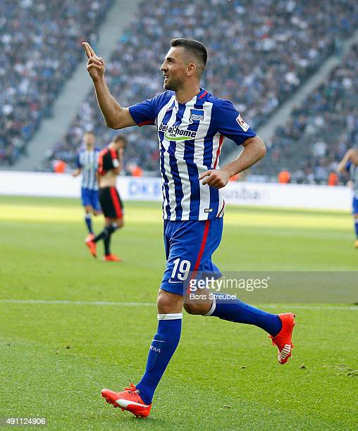 Vedad Ibisevic celebrates after scoring his team's second goal during the Bundesliga match between Hertha BSC and Hamburger SV at Olympiastadion on...