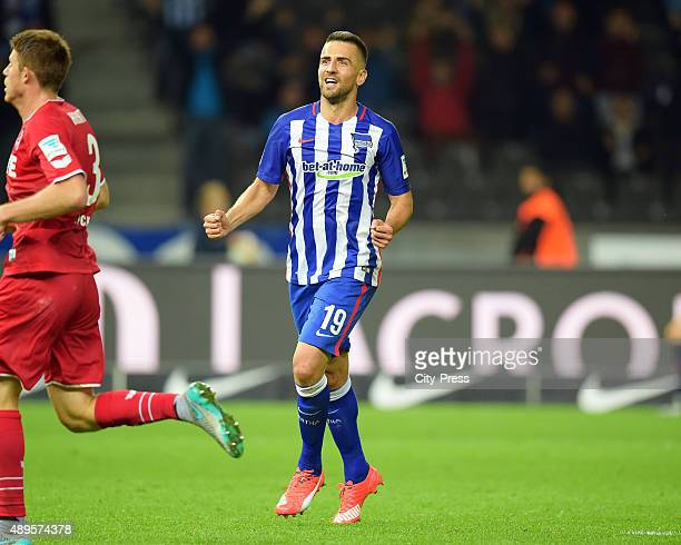 Vedad Ibisevic of Hertha BSC celebrate after scoring the 20 during the game between Hertha BSC and dem 1 FC Koeln on september 22 2015 in Berlin...