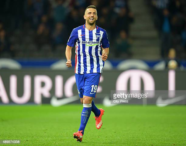Vedad Ibisevic of Hertha BSC celebrates after scoring the 20 during the game between Hertha BSC and dem 1 FC Koeln on september 22 2015 in Berlin...