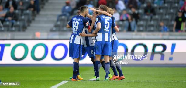 Vedad Ibisevic Salomon Kalou Valentin Stocker Niklas Stark and Per Skjelbred of Hertha BSC celebrate after scoring the 20waehrend the game between...