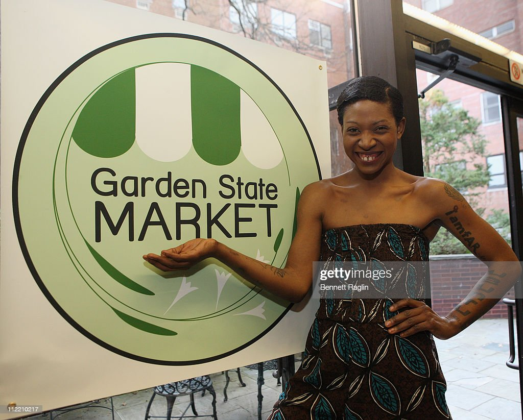Vegan Celebrity Activist Suzanne Africa Engo  Volunteers For Garden State Market At Fit Families Forum Against Childhood Obesity