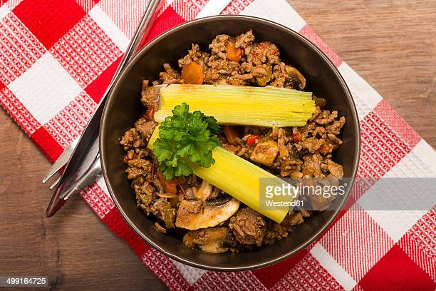 Vegetable mincemeat pan, ready to eat