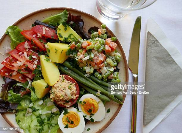 Vegetable Platter With Boiled Egg And Tomatoes Stuffed With Tuna