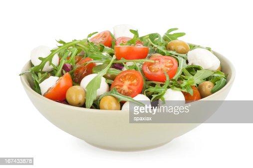 Ensalada de verduras con queso feta y de aceitunas : Foto de stock