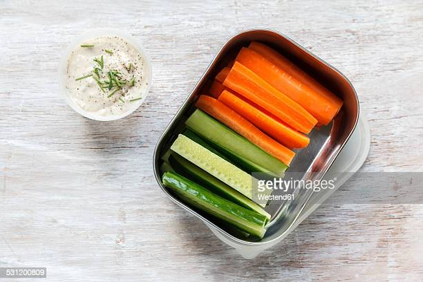 Vegetable sticks with oat dip