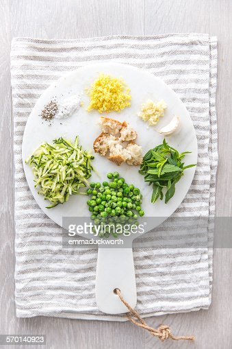 Vegetarian ingredients for pasta sauce