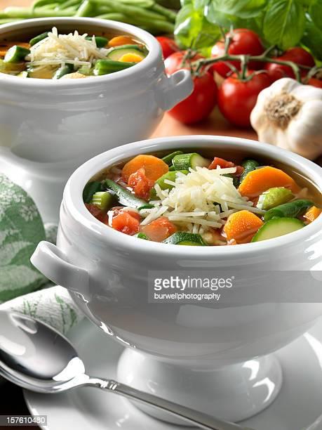 Végétariens Soupe Minestrone de Parmesan