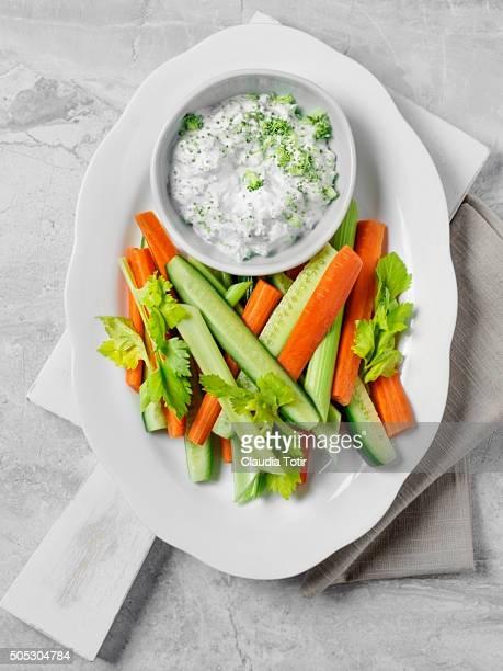 Veggie platter with dip