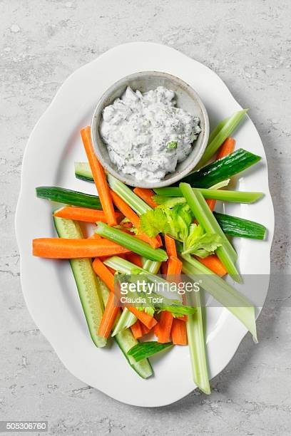Veggie platter with dip