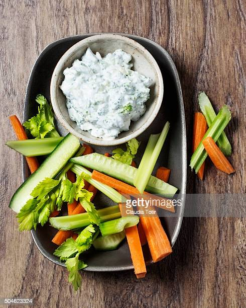 Veggie platter with yogurt dip
