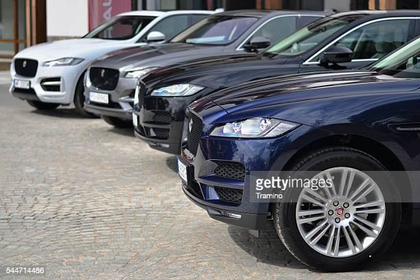 Geländewagen und Fahrzeuge von Jaguar