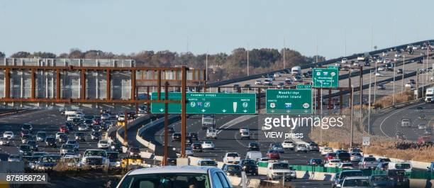 Vehicles move along the Garden State Park Way on November 17 2017 in New Jersey The United States is still contributing to the global greenhouse gas...