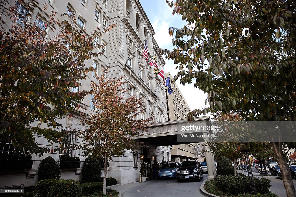 Vehicles stand under the portico of the Hay-Adams Hotel on November 14, 2013 in Washington, DC. Two U.S. Secret Service agents were removed from U.S. President Barack Obama's protective detail after an internal investigation revealed that an agent allegedly tried to re-enter a female guest's hotel room after leaving behind a bullet from his service weapon, and also that the two agents had allegedly sent sexually suggestive emails to a female subordinate.