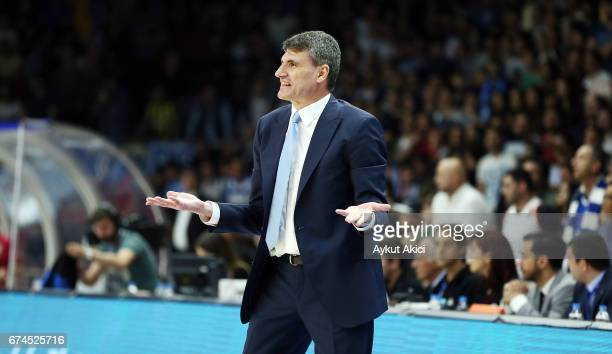 Velimir Perasovic Head Coach of Anadolu Efes Istanbul reacts during the 2016/2017 Turkish Airlines EuroLeague Playoffs leg 4 game between Anadolu...