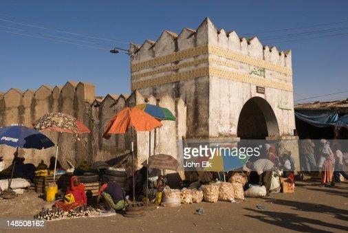 Vendors outside Shoa Gate.