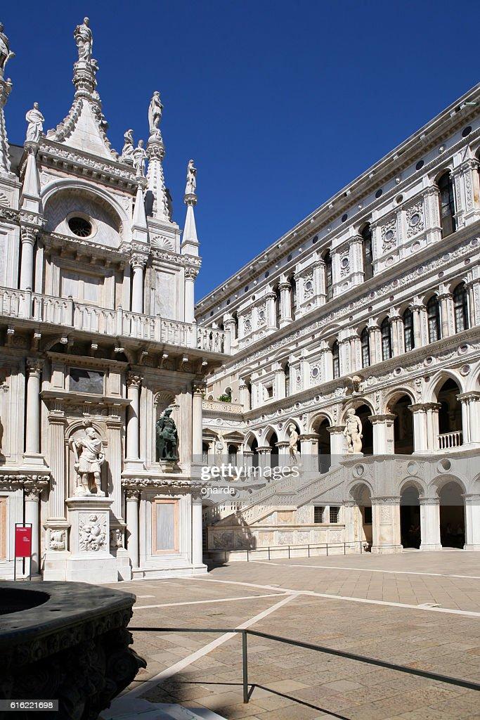venezia palazzo ducale : Bildbanksbilder