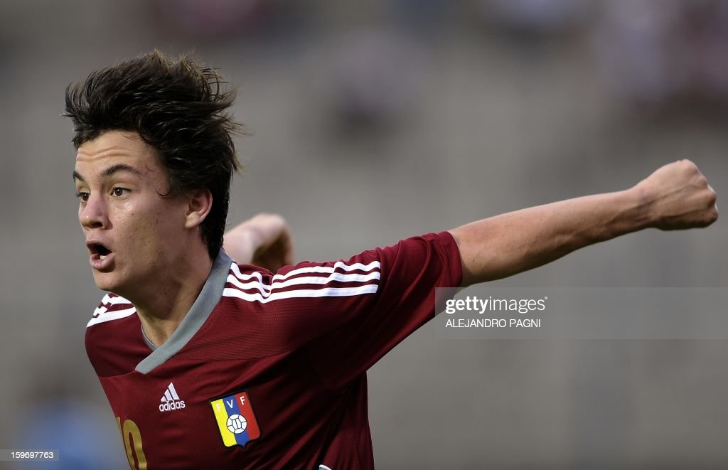 Venezuelan midfielder Juan Anor celebrates after scoring the team's second goal against Uruguay during the South American U-20 Group B football match at Bicentenario stadium in San Juan, Argentina, on January 18, 2013. Four teams will qualify for the Turkey 2013 FIFA U-20 World Cup.