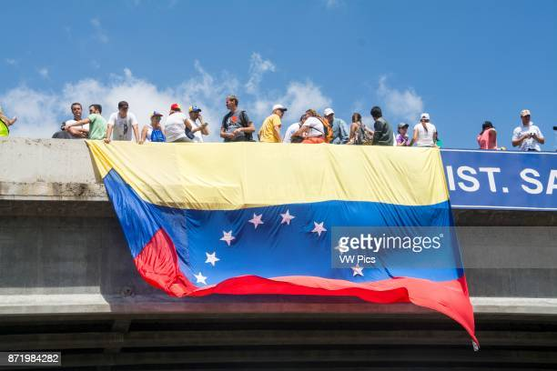 Venezuelans opposed to the government gathered on Saturday May 20 on the Francisco Fajardo motorway in an activity called 'Somos Millones' with which...