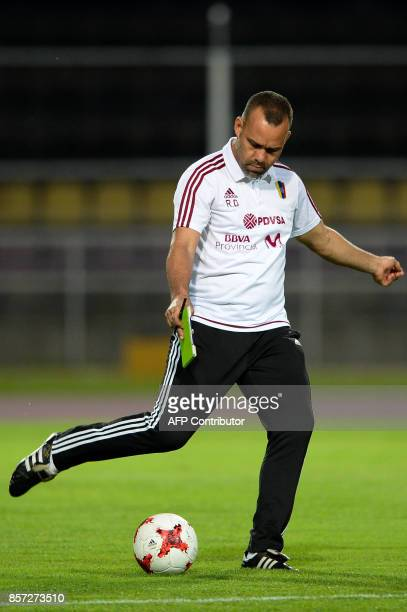Venezuela's coach Rafael Dudamel takes part in a training session in San Cristobal Venezuela on October 3 2017 ahead of their FIFA World Cup 2018...
