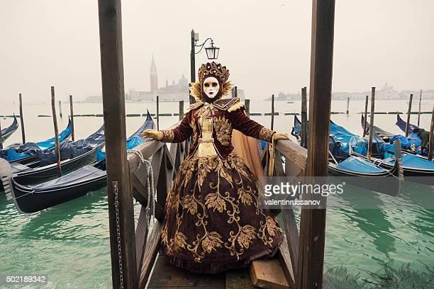 Carnevale di Venezia su Gondole dock