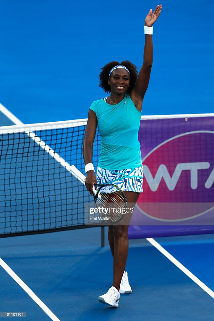 Venus Williams of the USA waves to the crowd following her quarterfinal match against Elena Vesnina of Russia during day four of the 2015 ASB Classic...