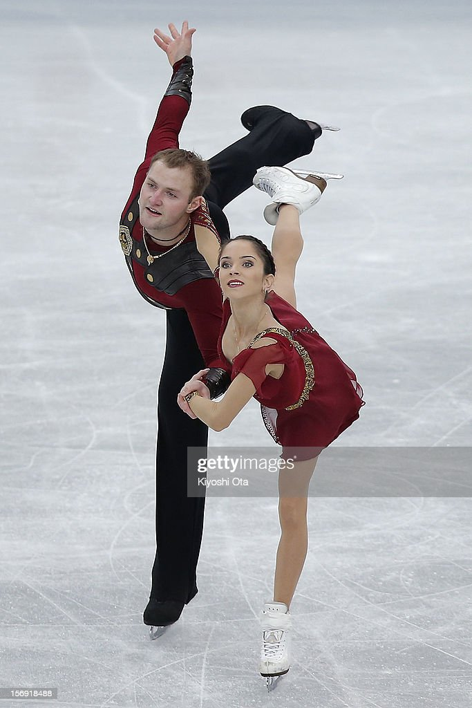 <a gi-track='captionPersonalityLinkClicked' href=/galleries/search?phrase=Vera+Bazarova&family=editorial&specificpeople=6740150 ng-click='$event.stopPropagation()'>Vera Bazarova</a> and Yuri Larionov of Russia compete in the Pairs Free Skating during day three of the ISU Grand Prix of Figure Skating NHK Trophy at Sekisui Heim Super Arena on November 25, 2012 in Rifu, Japan.