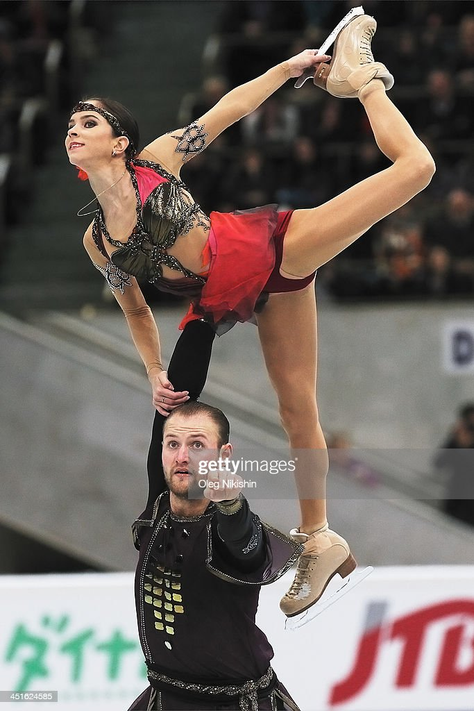 <a gi-track='captionPersonalityLinkClicked' href=/galleries/search?phrase=Vera+Bazarova&family=editorial&specificpeople=6740150 ng-click='$event.stopPropagation()'>Vera Bazarova</a> and <a gi-track='captionPersonalityLinkClicked' href=/galleries/search?phrase=Yuri+Larionov&family=editorial&specificpeople=6740151 ng-click='$event.stopPropagation()'>Yuri Larionov</a> of Russia skate in the Pairs Free Skating during ISU Rostelecom Cup of Figure Skating 2013 on November 23, 2013 in Moscow, Russia.