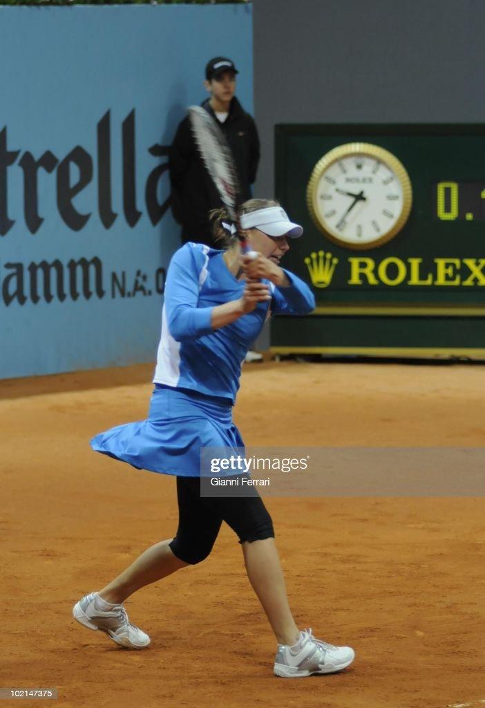 Vera Zvonareva, RUS, tennis in 'Mutua Madrilena Madrid Open' , 8th May 2010, in 'La Caja Magica'. Madrid, Spain.