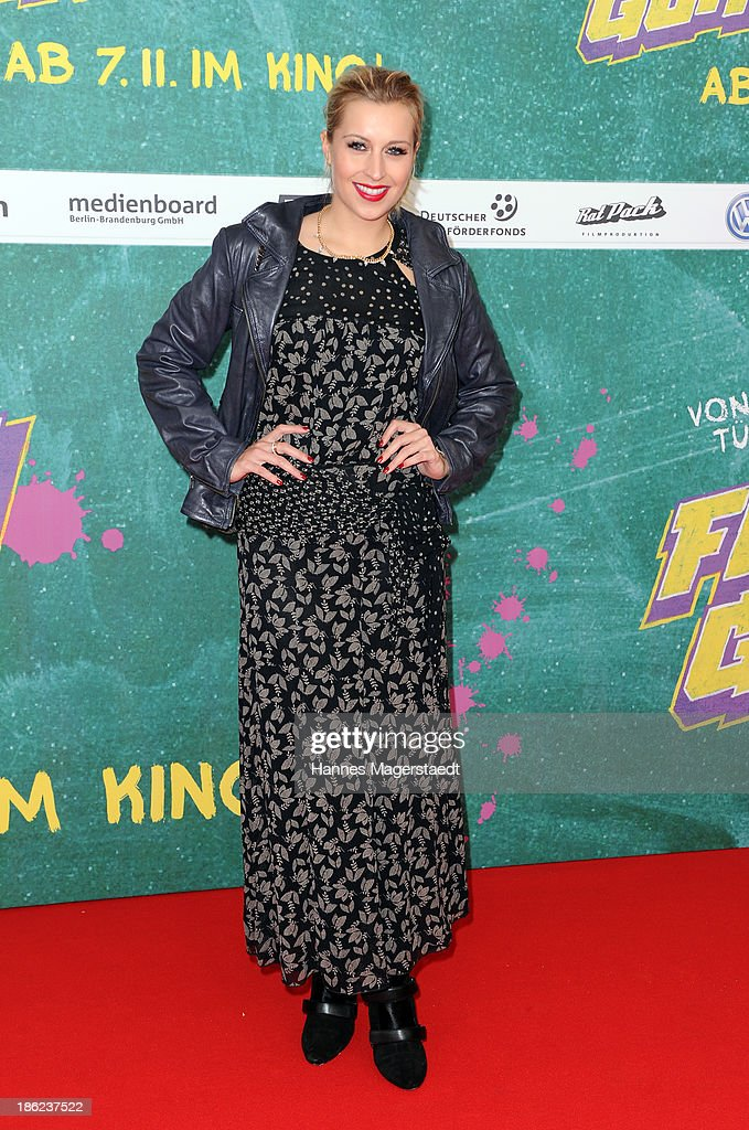 Ê<a gi-track='captionPersonalityLinkClicked' href=/galleries/search?phrase=Verena+Kerth&family=editorial&specificpeople=585223 ng-click='$event.stopPropagation()'>Verena Kerth</a> attend the premiere of the film 'Fack Ju Goehte' on October 29, 2013 in Munich, Germany.