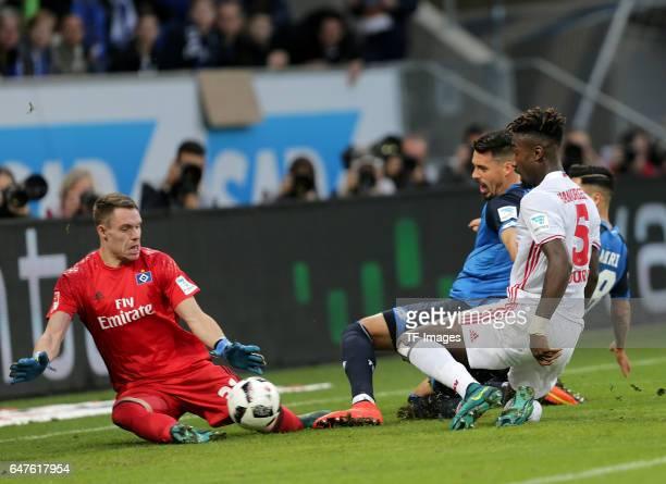 Vergebene Großchance von Sandro Wagner of Hoffenheim and Nadiem Amiri of Hoffenheim gegen Goalkeeper Christian Mathenia of Hamburg and Johan Djourou...