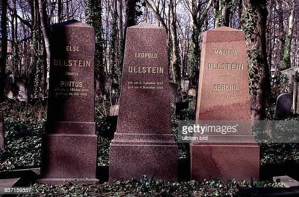 1826 1899 Verleger D Gräber von Else L und Matilda auf dem Jüdischen Friedhof an der Schönhauser Allee in Berlin 1998