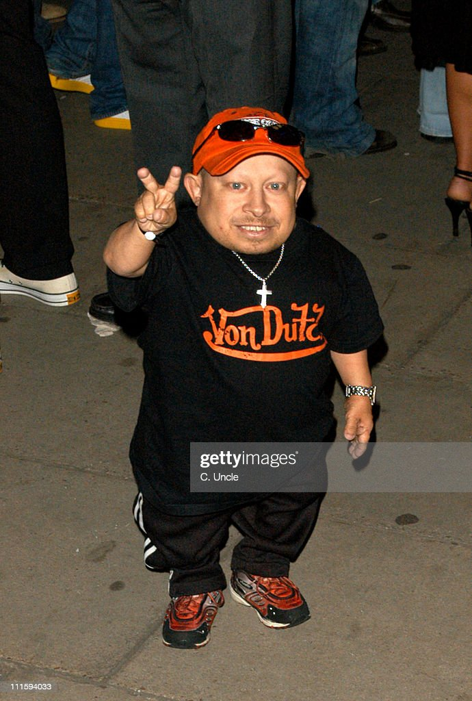 <a gi-track='captionPersonalityLinkClicked' href=/galleries/search?phrase=Verne+Troyer&family=editorial&specificpeople=1521173 ng-click='$event.stopPropagation()'>Verne Troyer</a> during Gizmondo Launch Party - Arrivals at Sheraton Park Lane Hotel in London, Great Britain.
