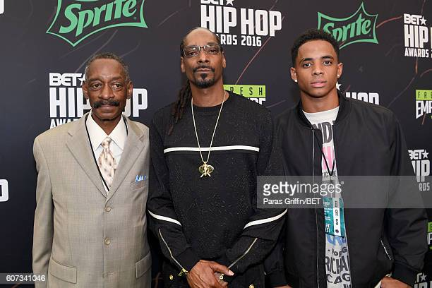 Vernell Varnado Snoop Dogg and Cordell Broadus attend the BET Hip Hop Awards 2016 Green Carpet at Cobb Energy Performing Arts Center on September 17...