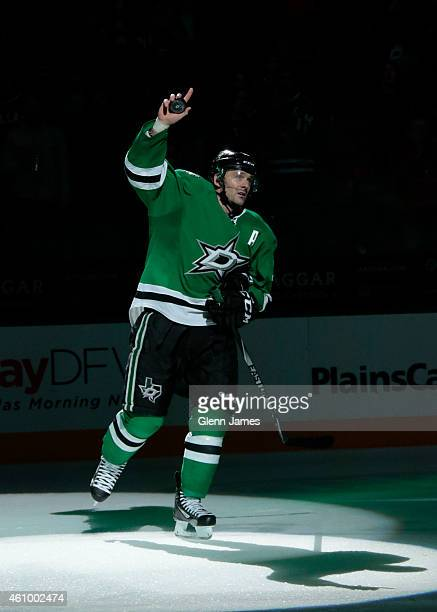 Vernon Fiddler of the Dallas Stars is named one of the three stars of the game against the Minnesota Wild at the American Airlines Center on January...